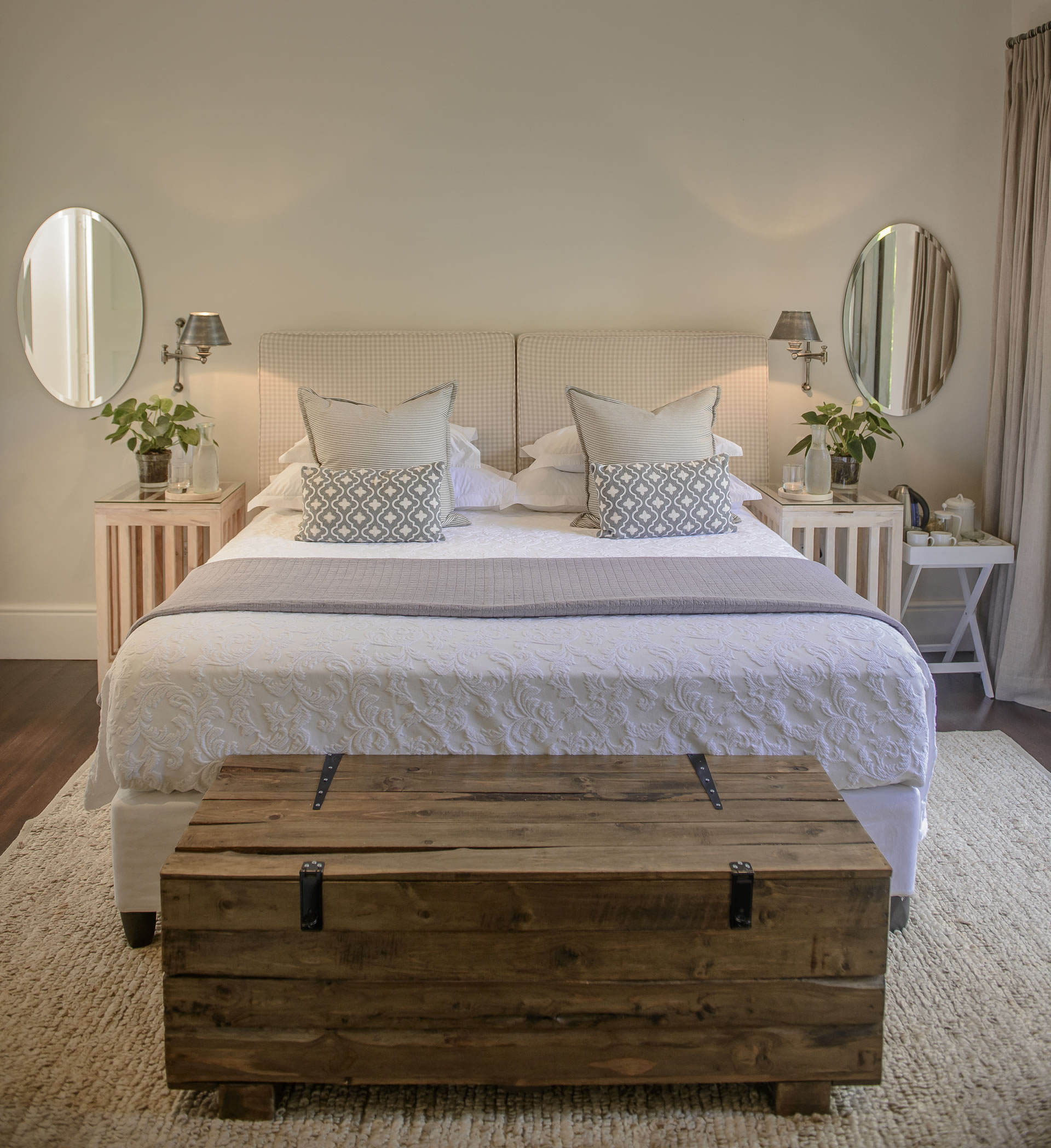 Room 4 (king / twin beds)